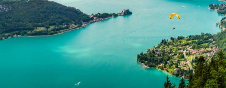 Inspanning en ontspanning aan het Meer van Annecy