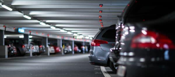 Parkeren bij het vliegveld
