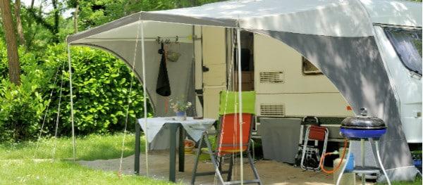 Caravan met luifel