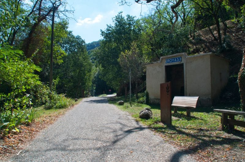 Verlaten treinstation Royas in Frankrijk