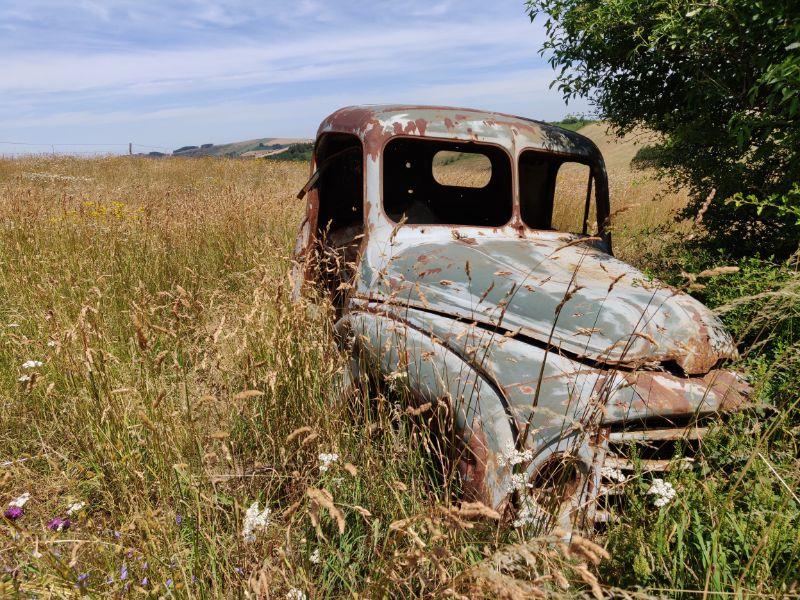 Wrak van een oude Citroën