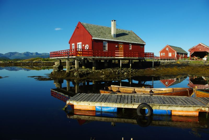 Typische houten huizen in Noorwegen