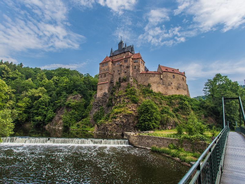Kriebstein Castle is a real knight's castle, situated on a high rocky plateau.