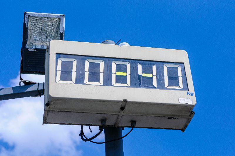 Display van een weegbrug laat 840 kilo zien