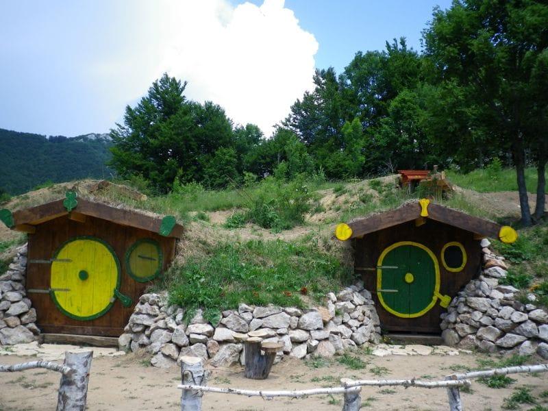 Hobbit house Kamp Velebit Kroatië
