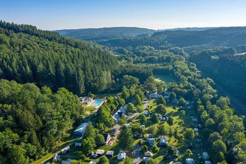 Camping Sandaya Parc la Clusure van bovenaf