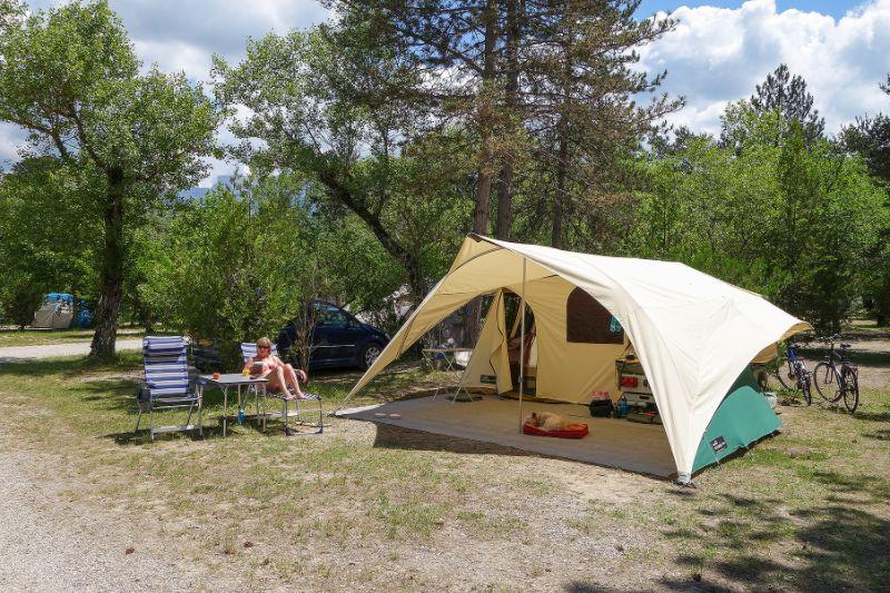 Vouwwagen op de camping